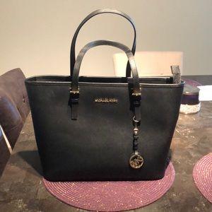 Michael Kors Bag along with Free Wallet